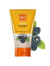 Anti Tan Skin Lightening Face Wash - By