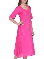 Pink Cotton Embroidered Round Neck Kurta - By