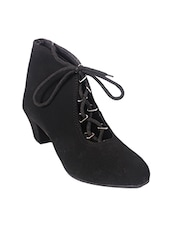 Boots for Women - Buy Girls Boots, Leather Boots Online in India