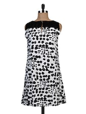 Black And White Polycrepe Printed Shift Dress - By
