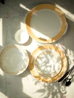 Classic Border and Polka Dot 21 Piece Dinner Set - Bharat Pottery