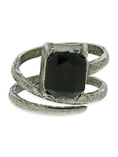 Silver And Black Stone Metallic Ring - By