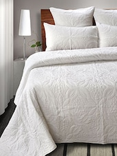White Set Of Printed Cotton Quilt With 2 Shams - By