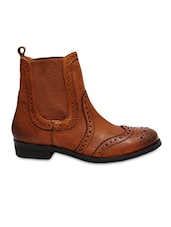 Brown Leather Boots - By - 9770570