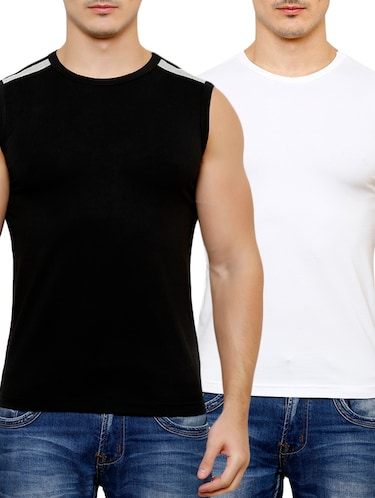ac94980f63dbb Buy sleeveless t shirt for men combo in India   Limeroad