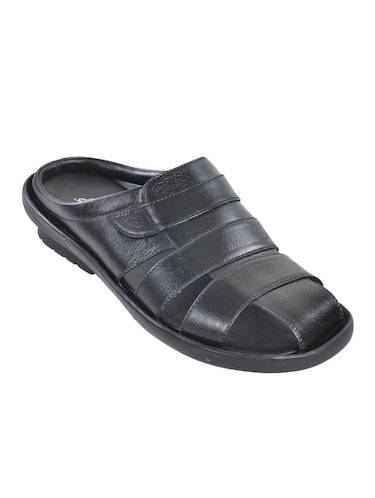 59bd6f4ee Buy paragon stimulus sandals for men in India   Limeroad