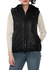 Black Hooded Sleeveless Quilted Jacket - By - 1324280