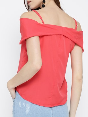 cold shoulder curved hem top - 14547777 - Standard Image - 3