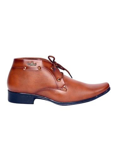 a1a59f736b17 Footwear - Upto 70% Off