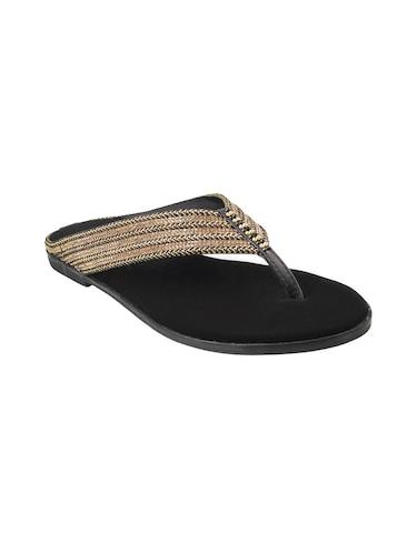 2a33c8faa23648 Mochi Shoes Online - Get Upto 50% Off on Mochi Footwear