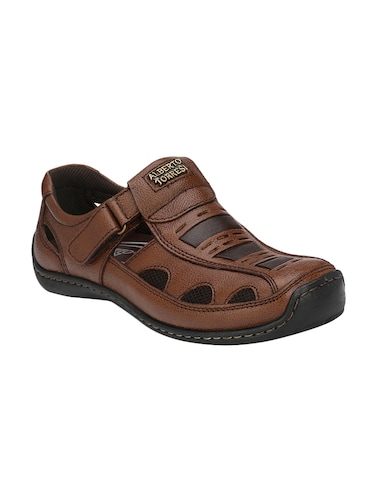 b781ac17aa4c Sandals and floaters for Men - Buy Leather Floaters Online in India