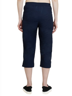 navy blue solid regular capri - 14912181 - Standard Image - 3