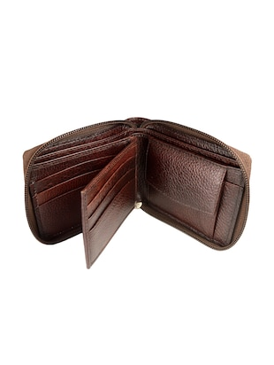 brown leather wallet - 15019167 - Standard Image - 3