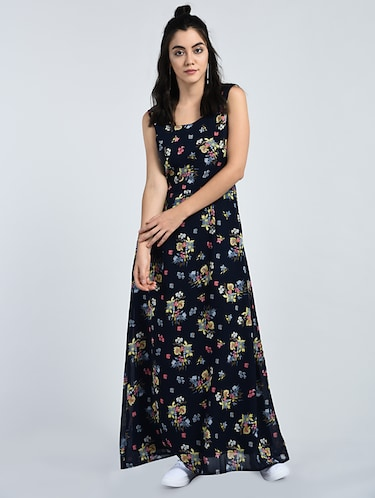 caf9c3c6352b Dresses for Ladies - Upto 70% Off