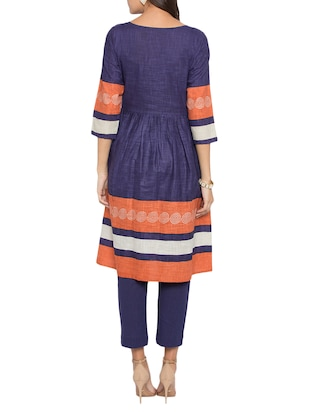 flared embroidered kurta - 15187005 - Standard Image - 3