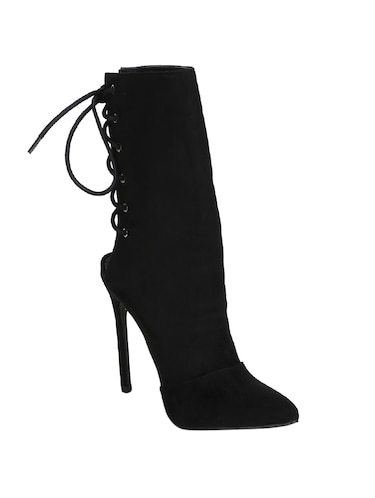 11043c202e9 Boots for Women | Buy Chelsea, Chukka & Ankle Boots at Limeroad