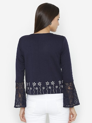lace detailed sleeved printed top - 15518037 - Standard Image - 3
