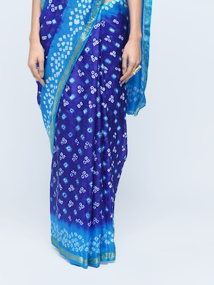 Zari bordered bandhani saree with blouse - 15606520 - Standard Image - 3
