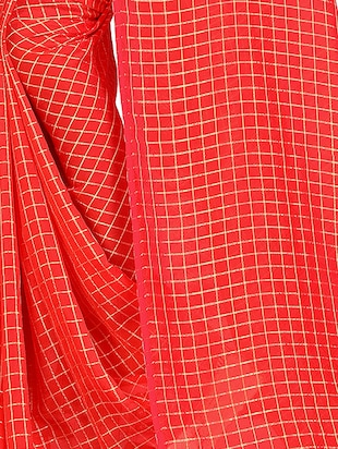 checkered woven saree with blouse - 15615581 - Standard Image - 3