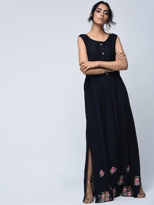 Embroidered slit kurta with jacket - 15760014 - Standard Image - 3
