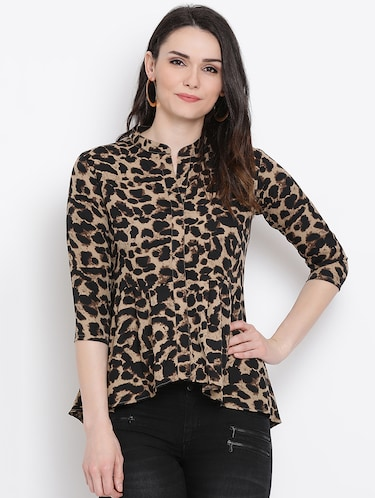 Animal prints asymmetric top - 16272439 - Standard Image - 1