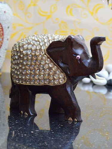 Statues And Sculptures For Home & Decor - Upto 70% Off | Buy