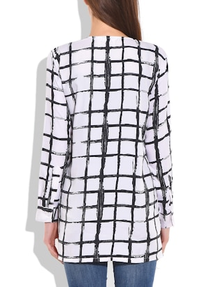White and black poly crepe check box printed top - 9711995 - Standard Image - 3